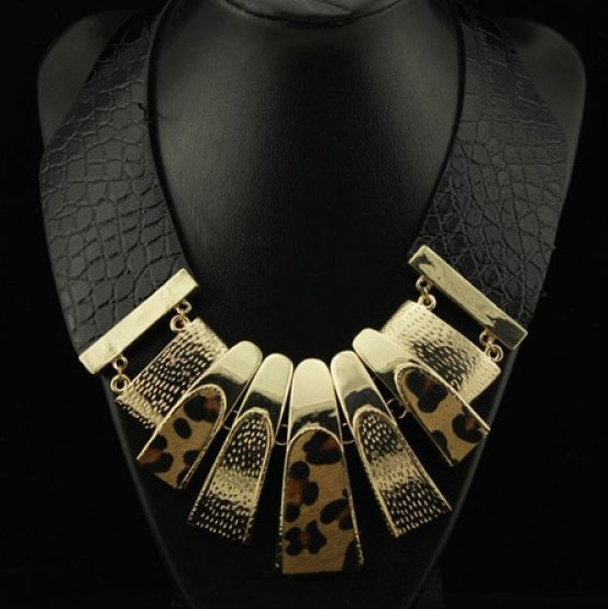 Leopard Animal Print Rectangle Pendant Leather Necklace Women